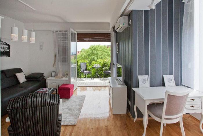 Apartment Put Meja - Split